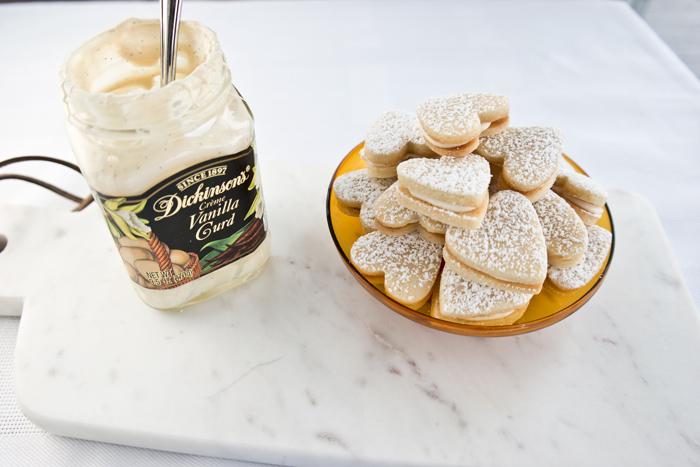 vanilla curd sandwich cookies