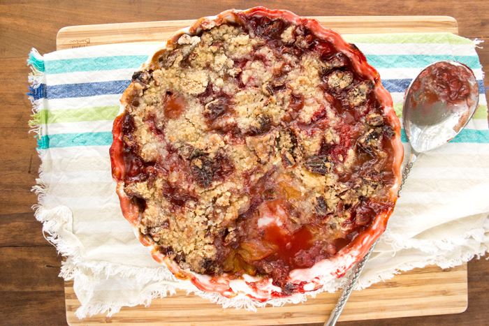 strawberry-peach-pecan-crumble
