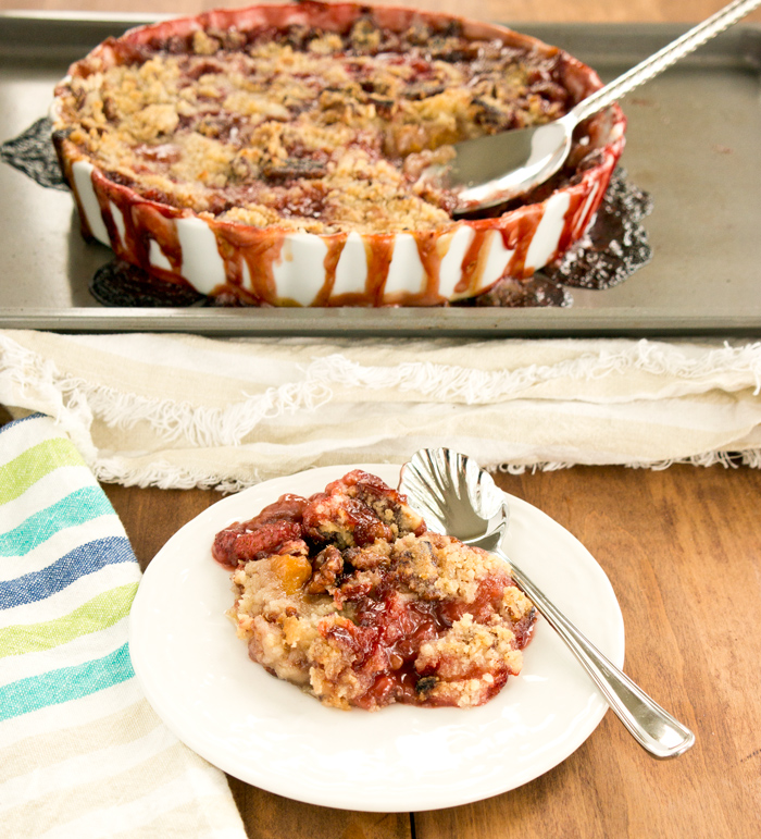 strawberry-peach-pecan-crumble