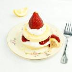 lemon-chiffon-strawberry-cloud-cakes