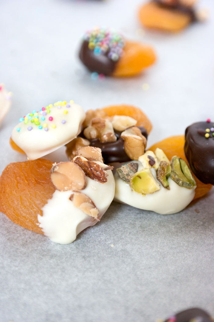 Chocolate Dipped Apricots
