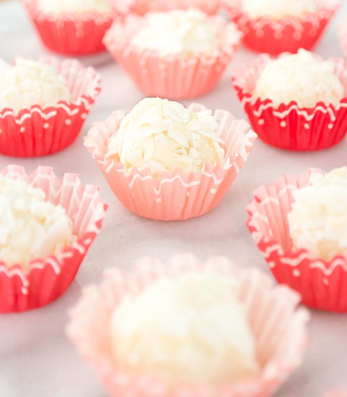 creamy-coconut-truffles