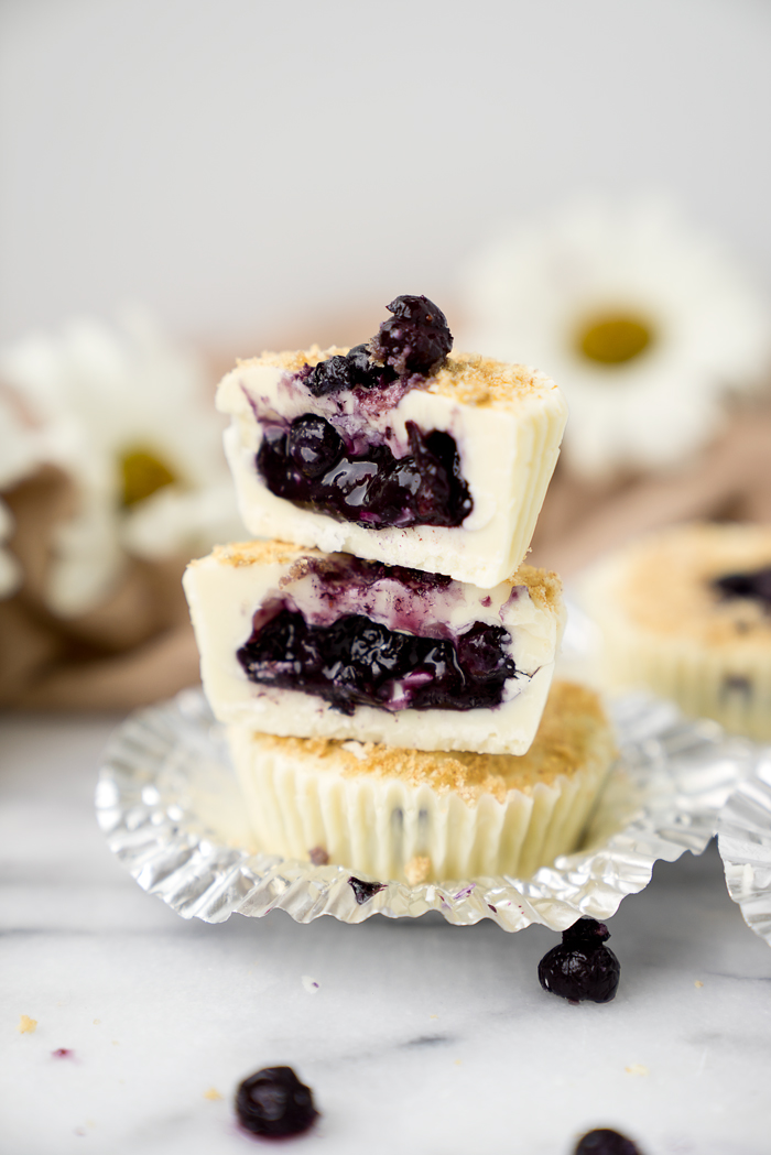 White Chocolate Blueberry Crumble Cups