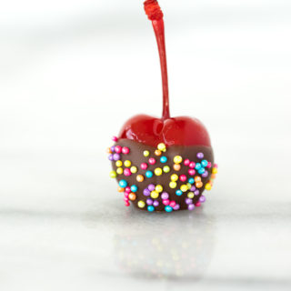 How to make Chocolate Dipped Cherries - the cutest treat or decoration. Tips to make sure they are perfect. #cherries #chocolatecherry #cakedecorating