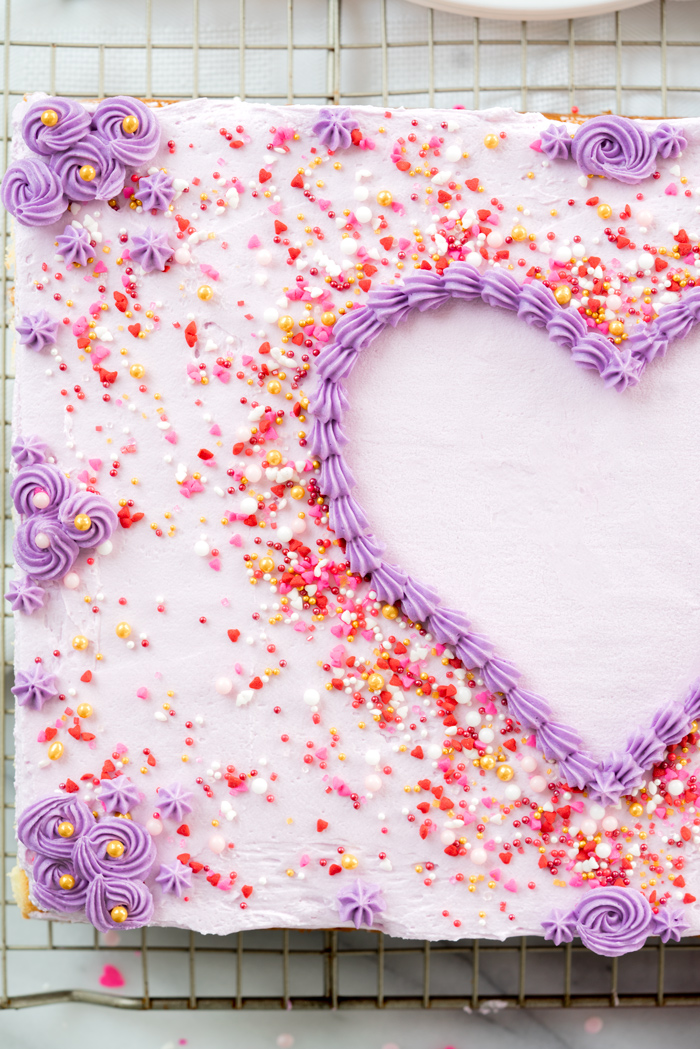 Tutorial on how to use a template to accurately decorate a sheet cake to go from plain to beautiful. | thesugarcoatedcottage.com #cake #cakedecorating