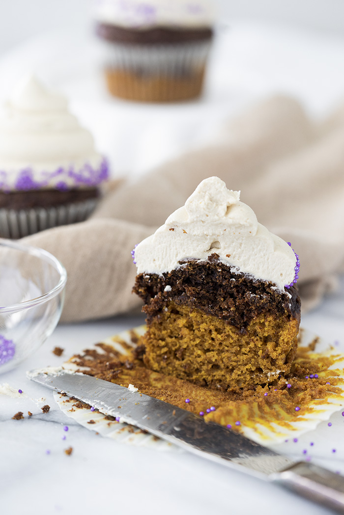 Pumpkin Chocolate Espresso Cupcakes. Part Starbucks PSL cake and part chocolate espresso cake and a swirl of espresso buttercream! | thesugarcoatedcottage.com #cupcake #psl #starbuckspsl #pumpkin #pumpkincupcake #chocolatecupcake #espressobuttercream #coffeebuttercream